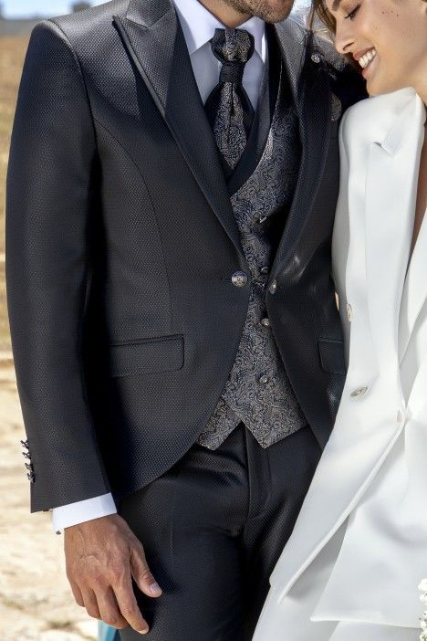 Grey groom suit Wedding 57.21.010
