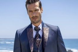 Are you a wedding guest? We are able to teach you how to dress properly
